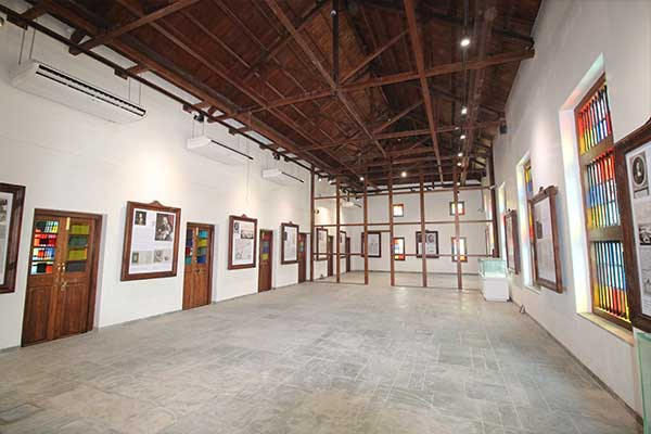 Travellers to Surat Gallery